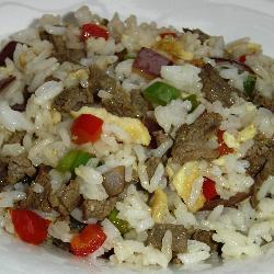 riz à la viande et aux poivrons