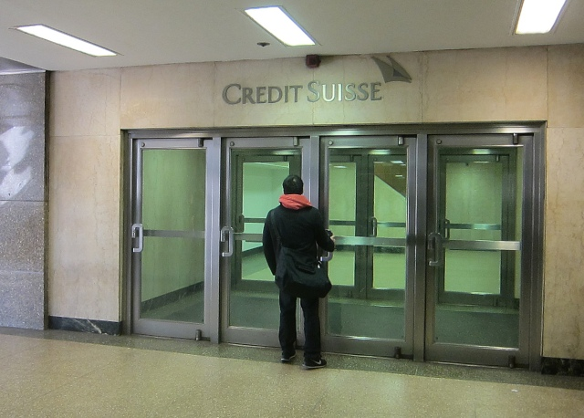 fermé aux sans emplois stables