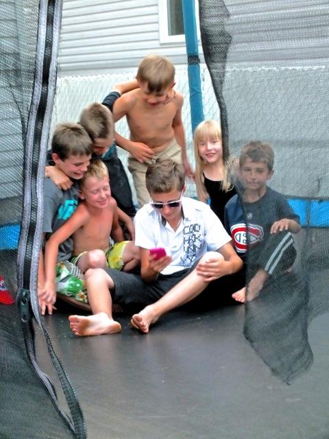 Dernière photo des cousins et amis avant la dispersion des vacances - T-Bear