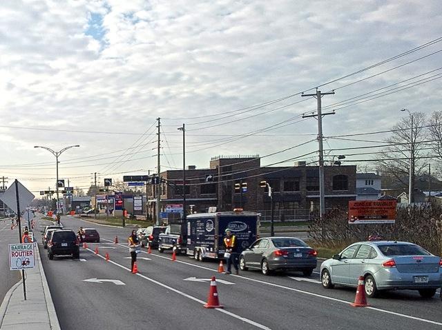 Intersection montée Masson.. grande allée à gauche et entrée/sortie l'autoroute 25 à droite gauche - T-Bear