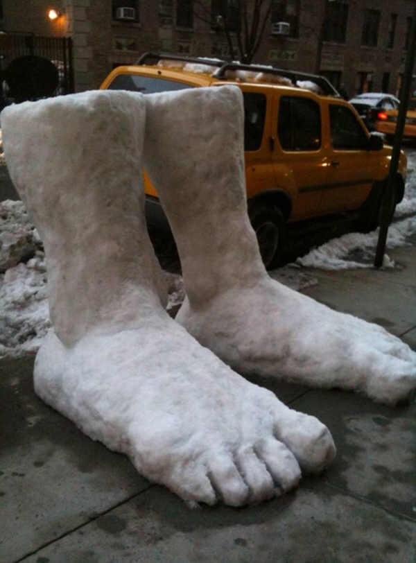 l'épaisseur de 2 pieds de neige