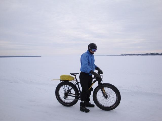Au milieu du lac St-Pierre, 353 km carré de lac gelé bien raide - photo madeleine