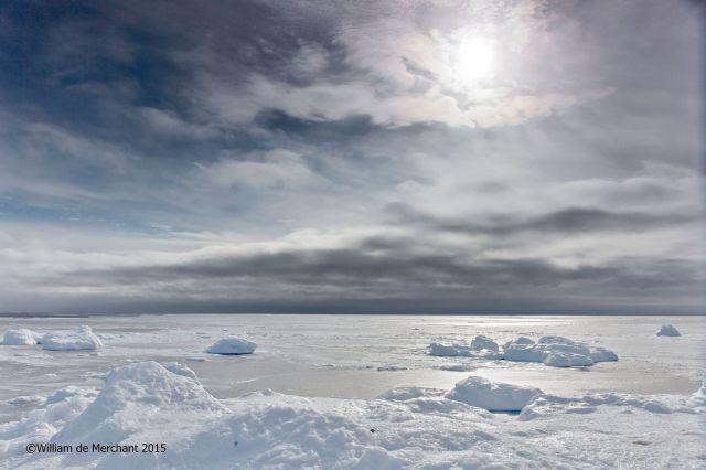 Magnifique photo de la banquise sur la côte Gaspésienne (Pabos Mills) prise le 18 mars 2015 par l'incomparable photographe Québécois William de Merchant