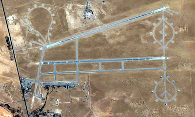 vue aérienne d'une base classique désaffectée
