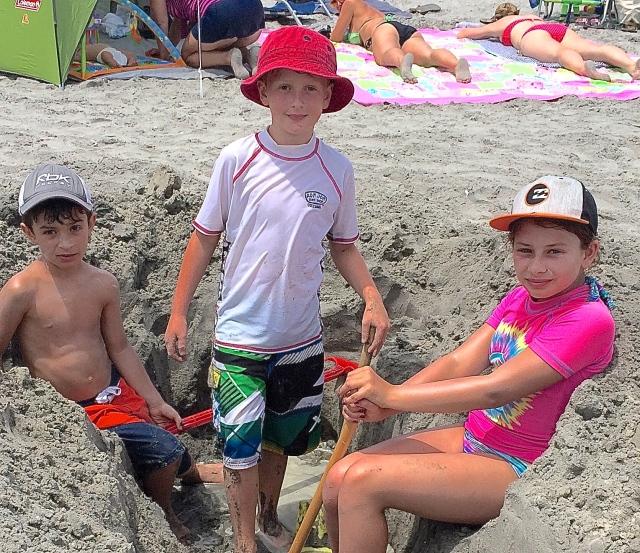 Les petit-enfants de T-Bear et leur cousin Mathis tout au bonheur de l'été - photo Sara