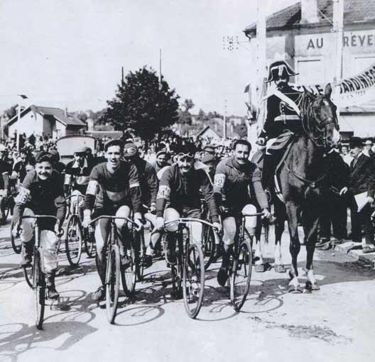 Départ du 1er tour de France du 1 au 19 juillet 1903