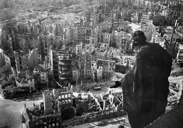 Bombardement de Dresde par les alliés en février 1945