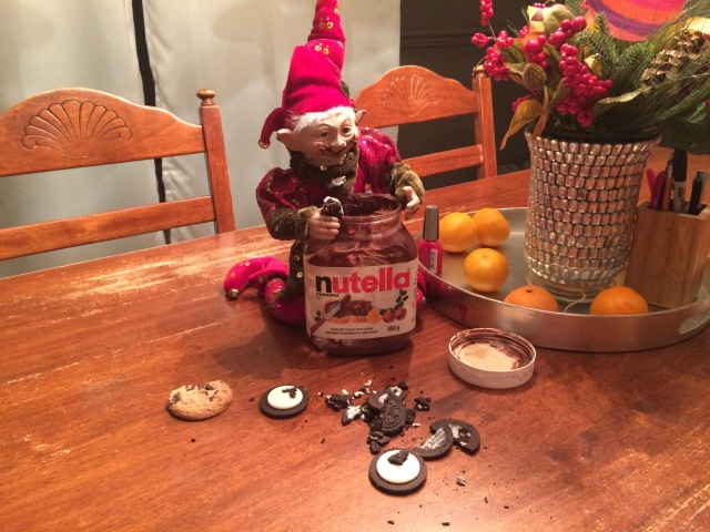 Le lutin se bâfrant de nutella - photo Sara
