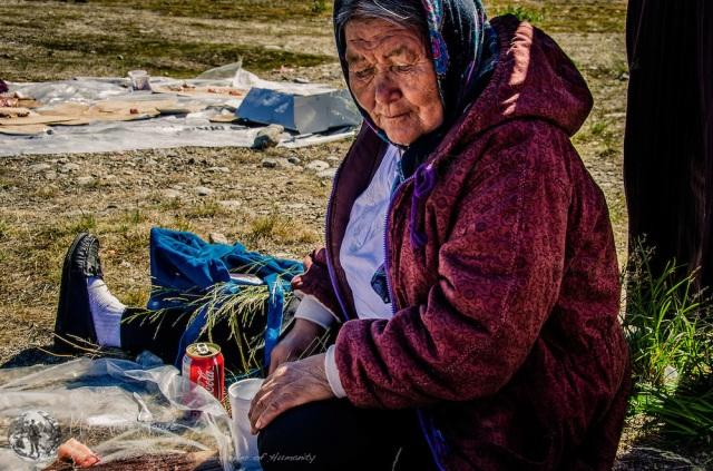 Même aux confins de la civilisation occidentale à Kangiqsualujjuaq, celle-ci marque quand même son hégémonie grâce à Coca cola - photo de Marc-André Pauzé