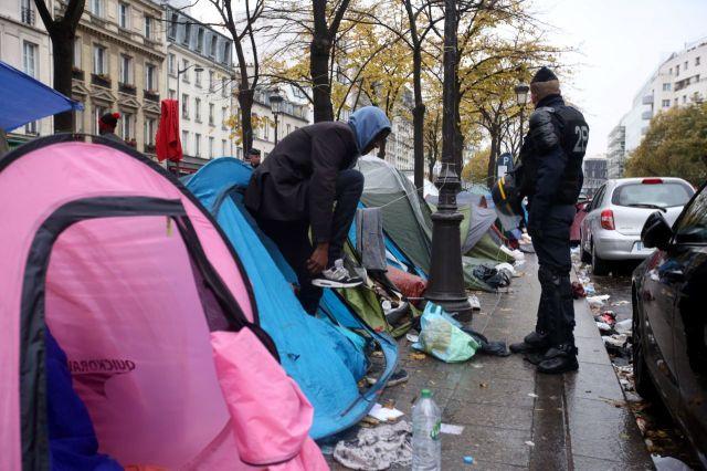 Harcélement des migrants à Paris par les policiers - source journal Le Parisien 8 décembre France